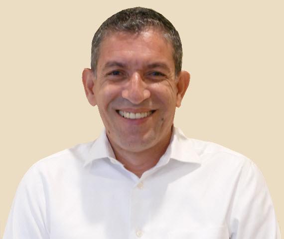 Kelvin Bustillo.